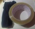 Paso 1. Calcetín y rollo de cinta de empaquetar